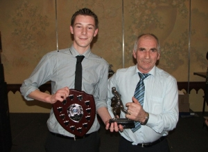 Minor POTY Shane Delargy receives award from manager Frankie Doherty
